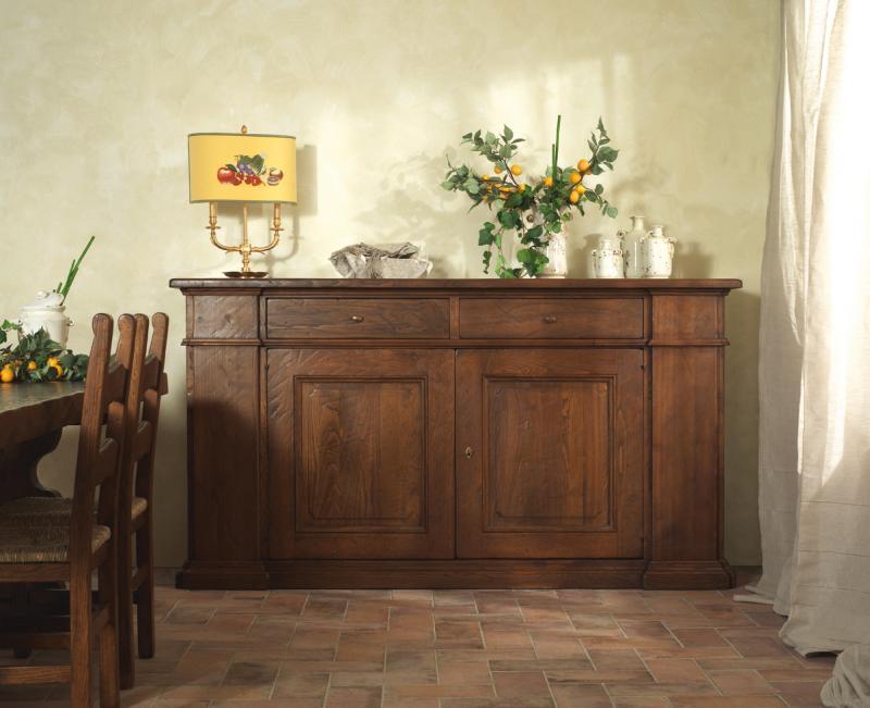 Soggiorno in legno massello for Mobili soggiorno decorati